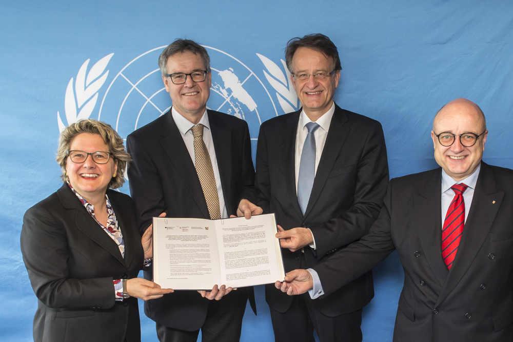 From left: Minister Svenja Schulze, Professor Rhyner, Dr. Volke Rieke, Reinhard Limbach. Photo by UNU-EHS/Barbara Fromman