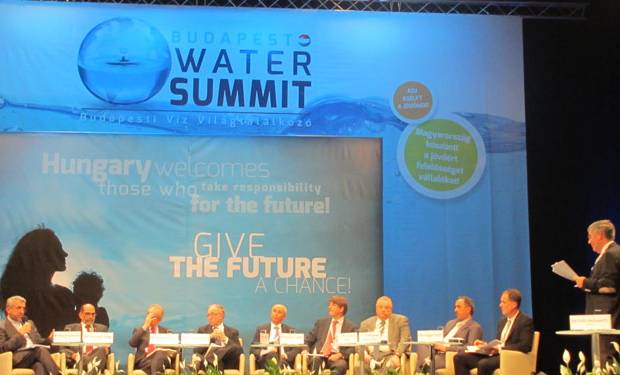 From left to right: Reza Ardakanian, Director UNU-FLORES; Avinash Tyagi, Secretary General, International Commission on Irrigation and Drainage; Roberto Lenton, Director, Robert B. Daugherty Water for Food Institute, University of Nebraska; Richard Lawford, Morgan State University; Mohamed Ait-Kadi, Chair, Technical Committee Global Water Partnership; Alexander Verbeek, Ministry of Foreign Affairs, the Netherlands; Paul Oquist Kelley, Minister and Private Secretary of National Policies, Nicaragua; Mohammed Ibrahim Al Saud, Deputy Minister for Water Affairs, Ministry of Water and Electricity, Saudi Arabia; Holger Hoff, Senior Research Fellow, SEI; and Moderator Fritz Holzwarth, Deputy Director-General, German Federal Ministry for the Environment. (Image: Tobias Bauer/UNU-FLORES)