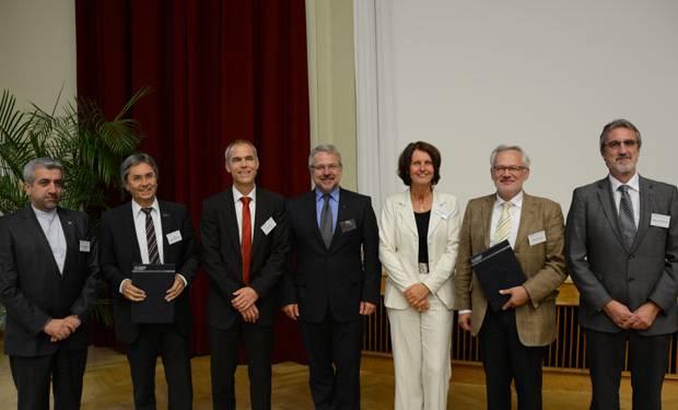 Prof. Dr. Reza Ardakanian (UNU-FLORES), Prof. Dr. H. Müller-Steinhagen (TUD), Prof. Dr. Peter Krebs (TUD), Prof. Dr. Dietrich Borchardt (UFZ), Gunda Röstel (German Water Partnership – GWP), Prof. Dr. G. Teutsch (UFZ) and Michael Rosenauer (Gesellschaft für Internationale Zusammenarbeit – GIZ). (Image: Antonio di Vico/UNU-FLORES)