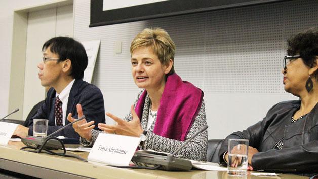 イベントで話す、UNU-IAS のマリア・イワノワ評議員/Photo: UNU-IAS