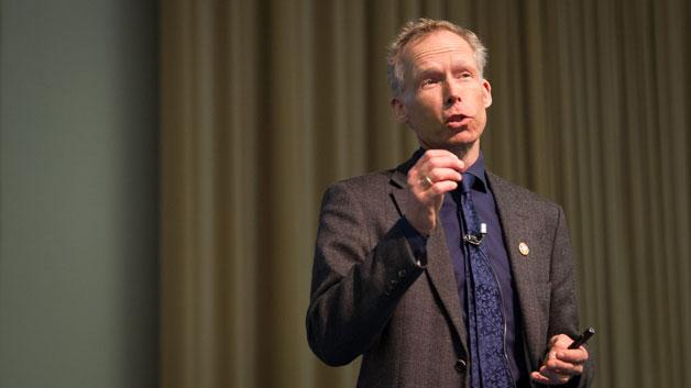 基調講演するヨハン・ロックストローム博士 Photo: Curtis Christophersen/UNU