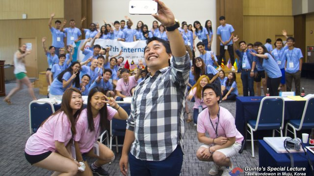 """Youthful energy. Dr. Guinto takes a """"selfie"""" with youth leaders at the International Youth Forum in South Korea (Photo courtesy of NCYOK)"""