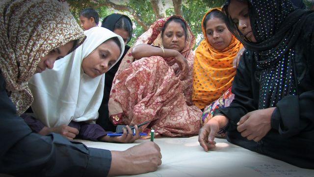 バングラデシュ 困難を越えて:問題を視覚化