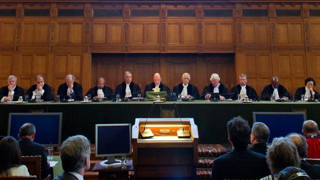 圧制後の移行期における正義:その複雑さと有効性