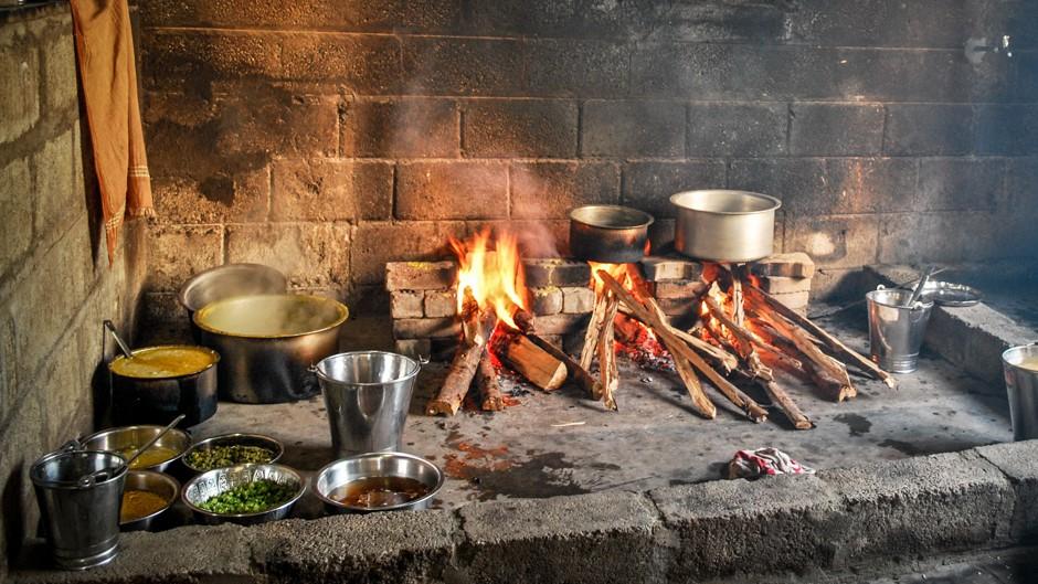 インドのスラムにおける 調理用燃料の転換 国連大学