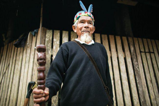 Sabino Gualinga, traditional healer and community elder. Photo: © Caroline Bennett / Amazon Watch.