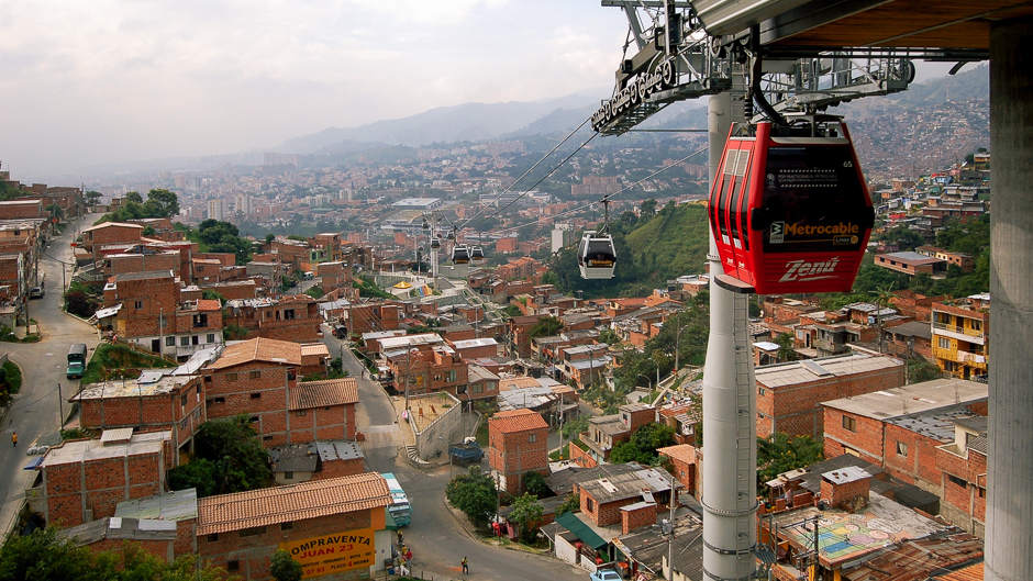 Metrocable in Commune 13, Medellín, Colombia. Photo: Omar Uran. Creative Commons BY 2.0 (cropped).