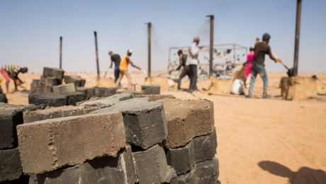 Starting from March 2016 migrants and local community members in the Nigerien town of Agadez have been trained how to make bricks using only plastic and sand. The principal objectives are to encourage community development projects, provide alternatives to irregular migration and offer professional training to youth. Photo: © International Organization for Migration/Amanda Martinez Nero
