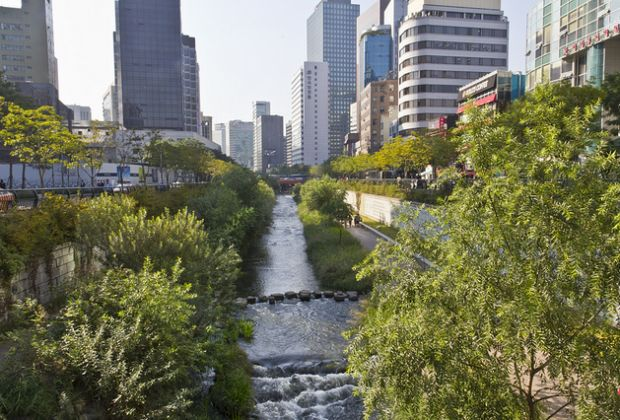 After the Korean War, the Cheonggyecheon Stream, which was functioning as an open sewer, was covered by pavement and forgotten. A $384 million recovery project daylighted the stream corridor as an urban natural amenity. Photo: Kaizer Rangwala.