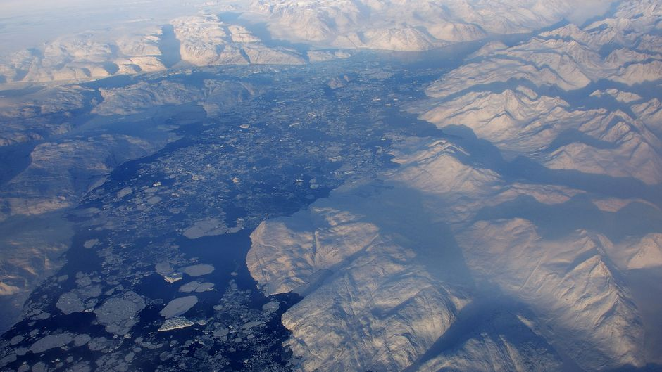 Greenland Icecap Loses Stability