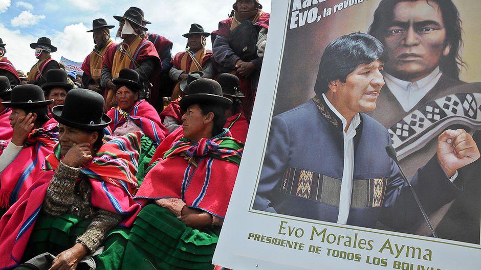ボリビアの奮闘が民主主義を救う