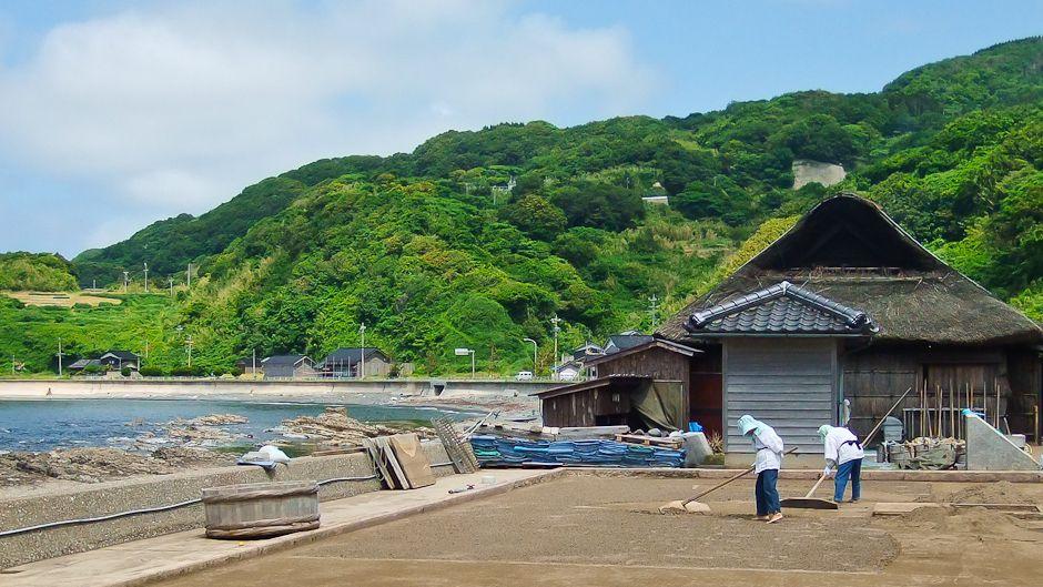 Noto traditional sea salt making. Photo by Shimako Takahashi.
