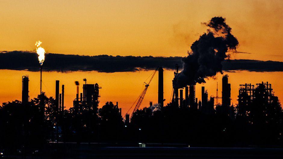 石油の需給逼迫とユーロ圏危機