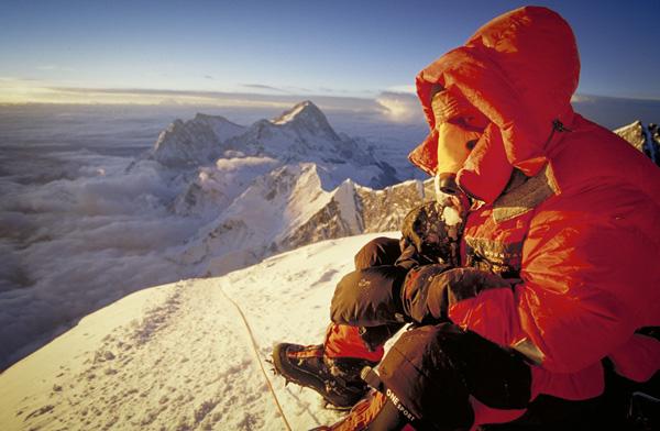 「28,000フィート(8,534メートル)で暖をとる」 写真:ディドリック・ジョンク