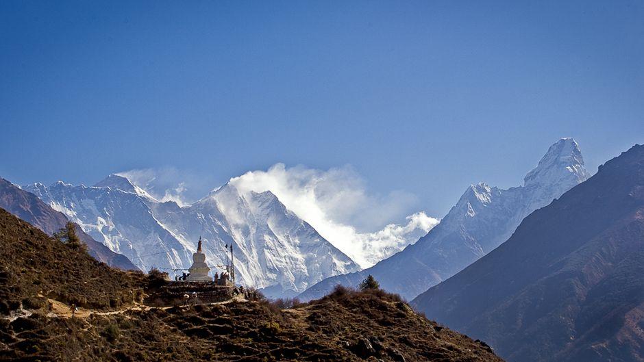 エベレスト山での 虚栄心、 汚染そして死