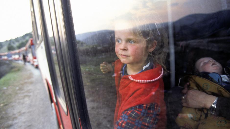 ドイツに向かうコソボ難民。Photo:UN Photo/UNHCR/Roger LeMoyne