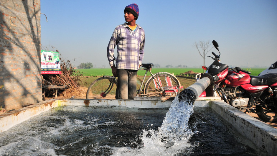 India groundwater use