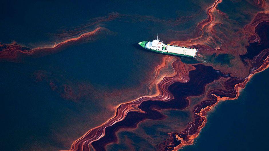 Cuba braces as Gulf oil approaches