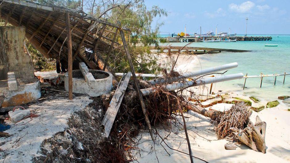 Maldives erosion