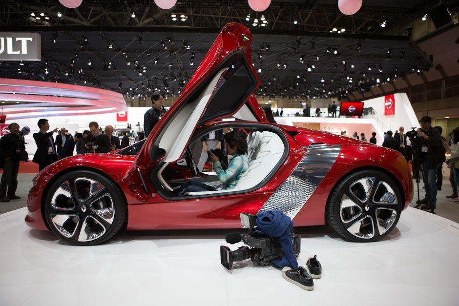 DeZir Concept car by Renault