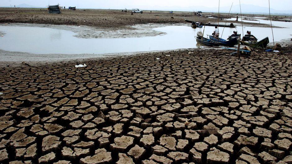インドネシアの干ばつ、ケニアの洪水